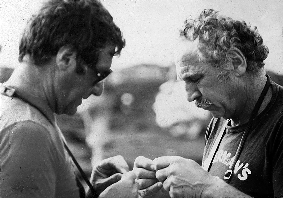 With Evan Hunter in the Galapagos Islands 1981 Photo: © Estate of Syd Solomon